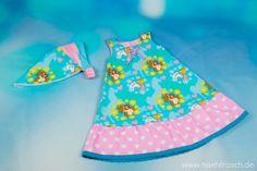 Nähfrosch Bibi und Tina Stoff von Stoffe-Hemmers Webware Kopftuch Schnittmuster von NupNup Freebook Schnittmuster Kleid Lenchen von PiranhaKids mit Rüsche Nähen für Kinder Sommerkleid