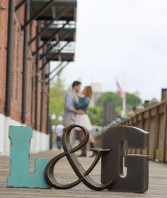 Wedding couple photography engagement announcements New ideas Engagement Announcement Photos, Engagement Shots, Engagement Couple, Engagement Pictures, Wedding Pictures, Wedding Engagement, Engagement Photo Props, Wedding Ideas, Engagement Ideas