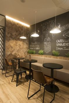 Small Restaurant Design, Deco Restaurant, Restaurant Interior Design, Cafe Shop Design, Coffee Shop Interior Design, Bar Interior, Industrial Coffee Shop, Cafe Industrial, Cafeteria Industrial