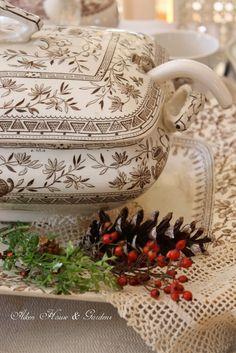 Aiken House & Gardens: Romantic Brown & White Transferware Tablescape