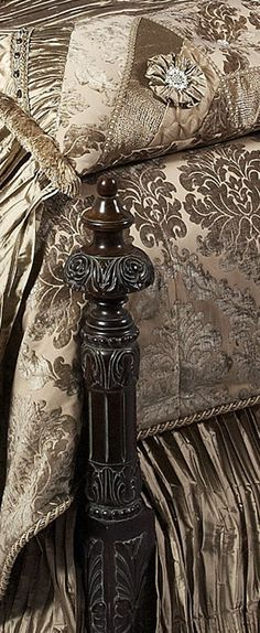 Reilly-Chance Collection Luxury Bedding http://reilly-chanceliving.com/collections/bedding/products/venetian