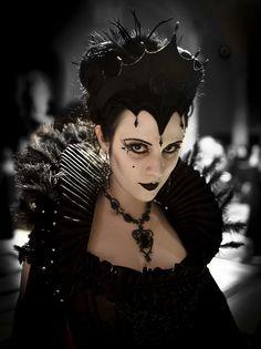 Un jour les rôlistes domineront le monde...  Queen of the Dark Fae