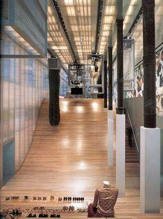 Arquitectura + Moda: Una mirada a OMA y la historia de Prada De Colaboración - Architizer