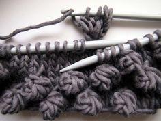Tuto : noppes au crochet dans un tricot aux aiguilles *** VMSom Ⓐ Koppa