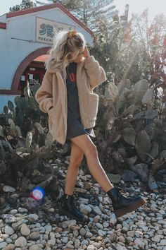 Ideas for fashion casual school ootd Winter Fashion Casual, Casual Winter, Fall Winter Outfits, Autumn Winter Fashion, Mode Outfits, Trendy Outfits, Fashion Outfits, Travel Outfits, Dr. Martens