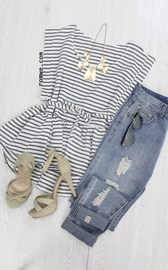 Black White Round Neck Striped Dip Hem Top with denim jeans and pretty heels - romwe.com