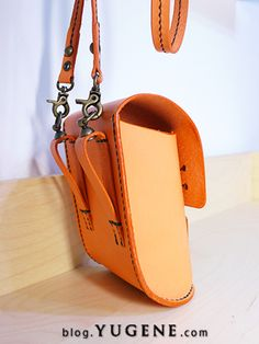 Make top straight & change strap fastening. Nice curve to the base Leather Bag Design, Leather Belt Bag, Leather Tooling, Leather Backpack, Leather Kits, Leather Craft, Mini Messenger Bag, Hip Bag, Leather Bags Handmade