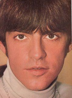   MARK LINDSAY pinup – Huge incredible close up!