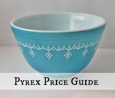 Introducing My New Vintage Pyrex Price Guide Pyrex Vintage, Vintage Bowls, Vintage Kitchenware, Vintage Glassware, Vintage Design, Vintage Decor, Vintage Antiques, 1950s Decor, Vintage Items
