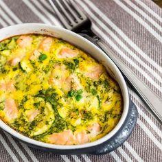 Gratin de courgettes au saumon fumé – Ingrédients :1 kg de courgettes,200 g de saumon fumé,20 cl de crème liquide,2 oeufs,3 c. à soupe d'aneth ciselé,...