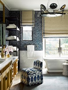 28 Enchanting Blue and White Rooms | 1stdibs