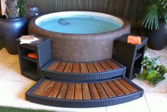 Awesome Outdoor Jacuzzi Ideas for a Relaxing Weekend. With the flow of warm water and bursts of water that create bubbles, soaking in the outdoor Jacuzzi to relax and relieve stress. So you re-energize an. Hot Tub Backyard, Hot Tub Garden, Outdoor Spaces, Outdoor Living, Outdoor Decor, Accessoires Spa, Hot Tub Room, Hot Tub Time Machine, Best Above Ground Pool