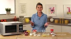 VIDEO: How to Make Crave-Worthy Cake in a Mere Matter of Minutes - http://cakedecoratingcoursesonline.com/cake-decorating/video-how-to-make-crave-worthy-cake-in-a-mere-matter-of-minutes/
