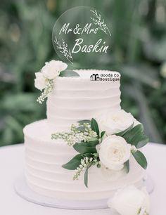 three tier white line texture wedding cake 29 - My Wedding - Hochzeit 2 Tier Wedding Cakes, Small Wedding Cakes, Wedding Cake Rustic, White Wedding Cakes, Elegant Wedding Cakes, Wedding Cakes With Flowers, Wedding Cake Designs, Wedding White, Wedding Cake Simple
