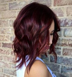 45 Shades of Burgundy Hair: Dark Burgundy, Maroon, Burgundy with Red, Purple and Brown Highlights Wavy+Layered+Burgundy+Lob - Station Of Colored Hairs Dark Red Hair, Hair Color Dark, Brown Hair Colors, Short Burgundy Hair, Red Burgandy Hair, Burgundy Bob, Darker Hair Color Ideas, Burgundy Makeup, Dyed Hair