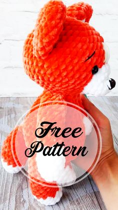 Free and Awesome Red Fox Amigurumi Crochet Pattern , amigurumi patterns free; amigurumi for beginners; Crochet Fox Pattern Free, Crochet Amigurumi Free Patterns, Crochet Motif, Free Crochet, Amigurumi Minta, Easy Knitting Projects, Crochet Projects, Chat Crochet, Red Fox
