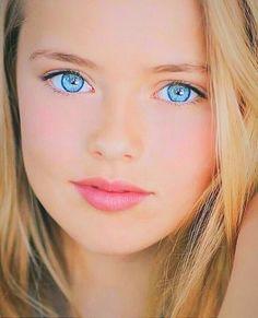 "The Brides Natural Beauty – ""Solomons Song of Songs"" Beautiful blue eyes. Beautiful Eyes Color, Beautiful Blue Eyes, Beautiful Little Girls, Stunning Eyes, Beautiful Girl Image, Pretty Eyes, Beautiful Children, Blonde Makeup, Beauté Blonde"