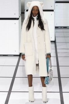 Anya Hindmarch Fall 2016 Ready-to-Wear Fashion Show http://www.theclosetfeminist.ca/ http://www.vogue.com/fashion-shows/fall-2016-ready-to-wear/anya-hindmarch/slideshow/collection#31