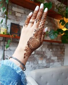 Today Simple And Easy Patterns Latest Mehndi Designs 2019 New Images Khafif Mehndi Design, Mehndi Designs Book, Mehndi Designs For Girls, Mehndi Designs For Beginners, Mehndi Design Photos, Mehndi Designs For Fingers, Latest Mehndi Designs, Arabian Mehndi Design, Back Hand Mehndi Designs