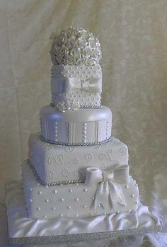 White and Gold Wedding. Wedding Cake Ideas