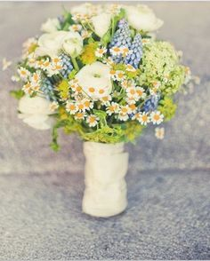Bouquet di fiori di campo, wedding  vintage, country bouquet, camomilla ranuncoli lavanda