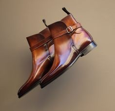 Jodhpur boots are classic equestrian riding boots that sit ankle-high and are usually characterised by an ankle strap and wooden heel. The beauty of the Jodhpur boot is that it is functional.