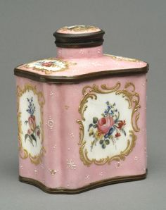 Tea Caddy  Possibly made by Samson porcelain factory, Paris, 1845 - 1980  Geography: Possibly made in France, Europe Date: Late 19th - early 20th century Medium: Enamel on copper with hand-painted and gilded decoration; metal mounts