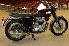 """1969 Triumph Bonneville 650 I had a Tiger 650 back in the """"Seattle"""" days never got her running ..she's probably still sittin where I left her..."""