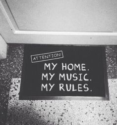 love photography beauty Black and White Cool music beautiful photo hipster Home indie Grunge DIY Alternative bands rules mixtape pale cds my rules my music My home Deco Gamer, Grunge Bedroom, Emo Bedroom, Bedrooms, Trendy Bedroom, Punk Rock Bedroom, Kids Bedroom, Tumblr Rooms, Style Deco
