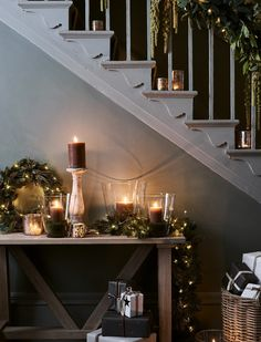 25 Inspiring Rustic Christmas Decorations And Wreaths Ideas. Hexagonal tiles are making their way back into the bathroom in all sizes colors and textures especially on shower floors Christmas Hallway, Christmas Stairs Decorations, Cosy Christmas, Christmas Trends, Modern Christmas, Country Christmas, Christmas Inspiration, Christmas Home, Handmade Christmas