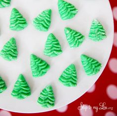 Cream cheese mints add a little something sweet and delicious to a party! Just four simple ingredients and a holiday mint mold and you can treat your guests to festive Christmas tree mints! This is a classic mint recipe popular at weddings but really they Christmas Cookie Exchange, Christmas Sweets, Christmas Cooking, Christmas Goodies, Christmas Candy, Christmas Tree, Christmas Recipes, Christmas Ideas, Christmas Crafts