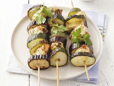 Hähnchen-Zucchini-Spieße vom Grill | Kalorien: 249 Kcal |  http://eatsmarter.de/rezepte/haehnchen-zucchini-spiesse