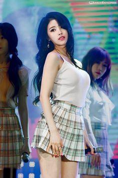 – Mijoo alcohol tolerance is one and half or two bottles of soju. [Ilgan Sport's DrunkDol Interview] – When drinking, Mijoo likes to . Asian Cute, Cute Asian Girls, Cute Girls, Korean Summer Outfits, Lovelyz Mijoo, Pretty Korean Girls, Amy, Asian Celebrities, Beautiful Asian Women