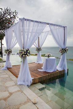 Beautiful Wedding Reception Decoration Ideas - Put the Ring on It Wedding Canopy, Wedding Stage, Dream Wedding, Garden Wedding, Outdoor Wedding Decorations, Backdrop Decorations, Chuppah, Retractable Canopy, Pergola Kits