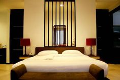 Rumah Nenek Hotel  located in Padang. Local attraction 5 minute drive to Haji Agus Salim Stadium and 10 minute from Padang beach, Rumah Nenek Hotel and Restaurant offers smartly furnished rooms with free WiFi, Air conditioned, flat-screen cable TV, electric kettle and desk. 25 minute drive from Minangkabau International airport. http://www.zocko.com/z/JGkCK