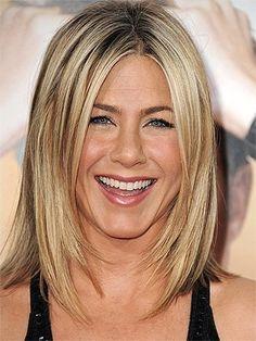 Jennifer Aniston melena midi