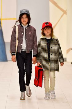 Our most loved childrenswear brand, Bonpoint, recently presented their Winter 2018 collection. Here are our favorite looks and moments from the show. Kids Fashion Show, Kids Winter Fashion, Winter Kids, Boy Fashion, Kids Winter Clothes, Winter 2017, Kids Outfits, Cool Outfits, Bon Point