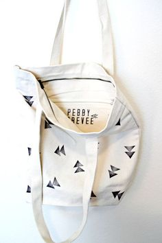 This would be cute to make--stamp on a linen bag