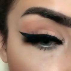 Ideas eye shadow tips hazel make up Makeup 101, Makeup Goals, Makeup Inspo, Makeup Inspiration, Beauty Makeup, Makeup Hacks, Sexy Eye Makeup, Blue Eye Makeup, Eyeshadow Makeup