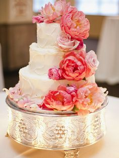 Delightful Wedding Cakes Almost Too Pretty to Eat. http://www.modwedding.com/2014/01/31/delightful-wedding-cakes-almost-too-pretty-to-eat/ #wedding #weddings #cakes