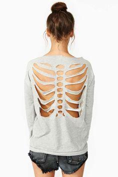 Back skeleton shirt Diy Cut Shirts, T Shirt Diy, Skeleton Shirt, Monster Party, Diy Clothing, Mode Style, Refashion, Diy Fashion, Sweaters For Women