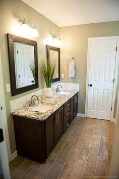 Bathroom Mirror Ideas (DIY) For A Small Bathroom. Decorating Ideas For Small White Bathroom White Bathroom, Modern Bathroom, Small Bathroom, Bathroom Ideas, Mirror Bathroom, Bathroom Green, Bathroom Organization, Diy Mirror, Bathroom Vanities