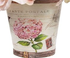 Bouquet de flores artificiales en maceta de madera - rosa