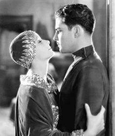 We Had Faces Then — Greta Garbo and Ramon Novarro in Mata Hari (George... Golden Age Of Hollywood, Vintage Hollywood, Hollywood Glamour, Hollywood Style, Metro Goldwyn Mayer, Mata Hari, Classic Movie Stars, Classic Movies, Divas