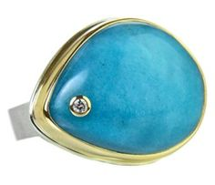 love the shape of this ring different from other jamie joseph rings. And what to say about the color? just look at it