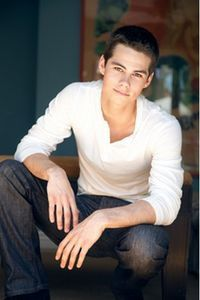 Dylan O'Brien. Great look for guys senior picture