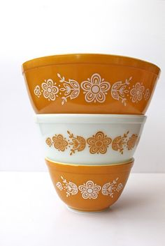 Vintage Pyrex - My current pyrex collection pattern... need a red and blue pattern collection