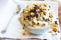 Recently I was at Mr Miyagi in Melbourne eating the most decadent Snickers Ice-Cream dessert… and I decided I must make a healthy version of this!! So here is my clean Snickers Nice-Cream – the per…