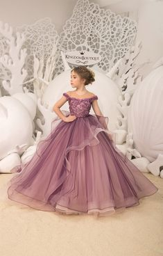 Purple and Blush Flower Girl Dress - Birthday Wedding party Bridesmaid Holiday Purple and Blush Flow Gowns For Girls, Frocks For Girls, Little Girl Dresses, Girls Dresses, Pretty Dresses For Kids, Kids Frocks, Baby Dresses, Green Flower Girl Dresses, Lace Flower Girls