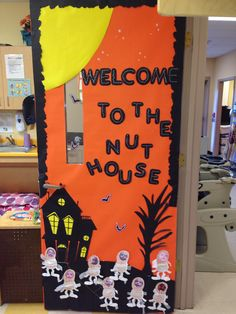 Daycare classroom decorations door decorations ideas the entrance door to the toddler classroom at the daycare pinned did toddler classroom decorations Halloween Classroom Decorations, Halloween Bulletin Boards, Theme Halloween, Halloween Door Decorations, Halloween Crafts, Vintage Halloween, Halloween Office Decorations, Preschool Door Decorations, Halloween Cubicle
